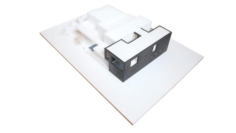 maquette-extension-villa-bardage-bois-brule